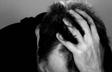 آیا سردرد میتواند علامت کرونا باشد؟